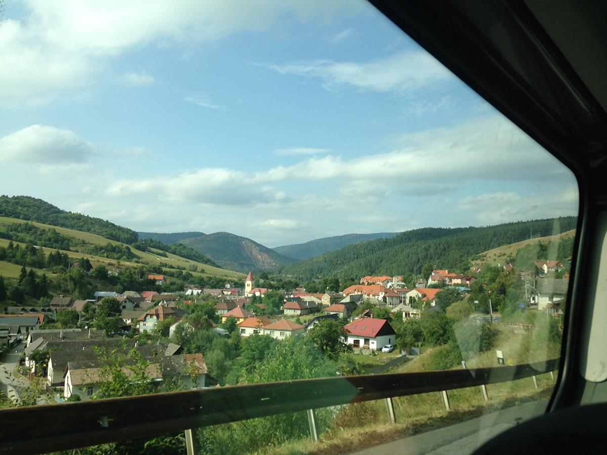 2015-isde-team-usa-slovakia-village