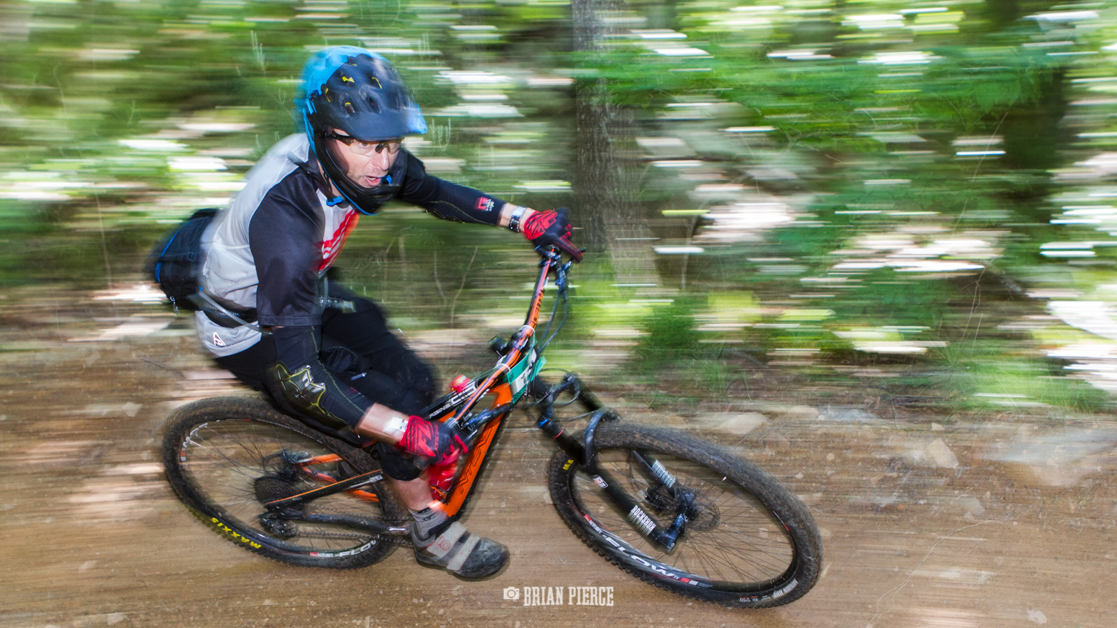 Panning shot for the win.